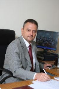 Емил Райков директор